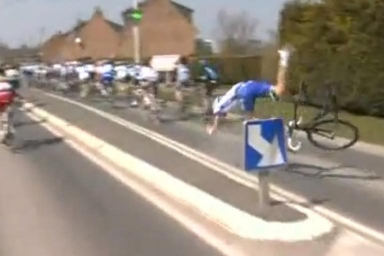 Paris Roubaix 2013 Offredo chute still