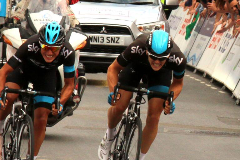 Peter Kennaugh and Ben Swift fight for victory (CC BY-NC-ND 2.0 www.flickr.com/photos/sumofmarc:)