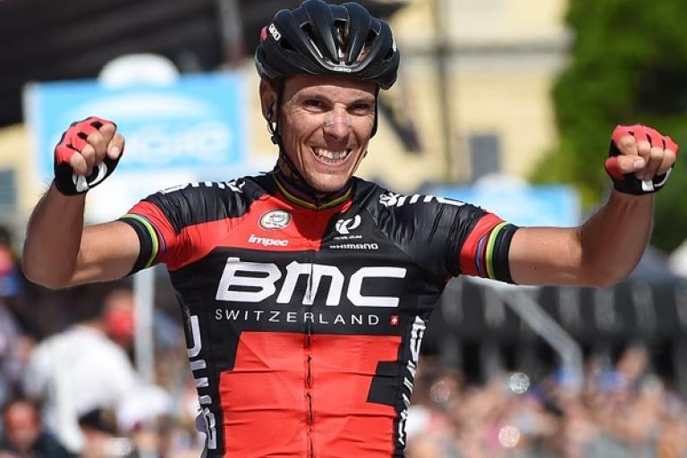 Philippe Gilbert celebrates winning Stage 18 of 2015 Giro d'Italia (picture ANSA, Dal Zennaro)