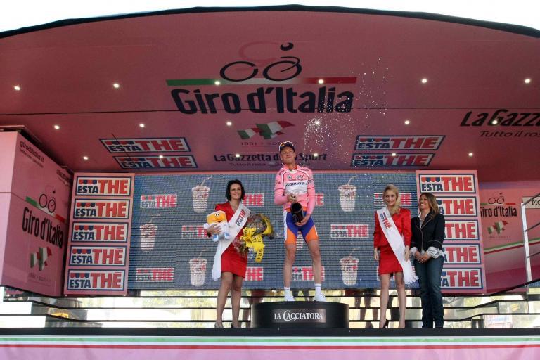 Pieter Weening in the maglia rosa RCS Sport.jpg