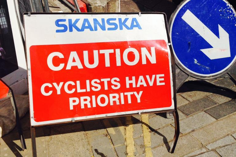 Roadworks sign - Cyclists have priority