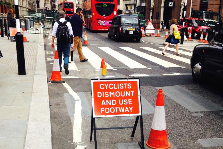 Roadworks sign - cycists dismount