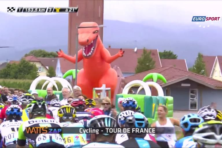 Just one of Watts Zap's weird and wonderful Tour de France Clips (via WattsZapArchive YouTube channel)