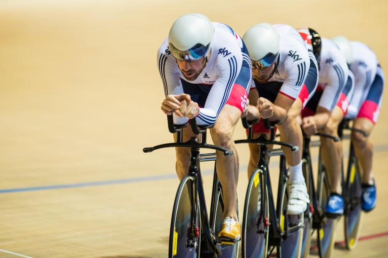 Sir Bradley Wiggins leads Great Britain team pursuit at Revolution in Derby, August 2015 (picture credit Revolution Series)
