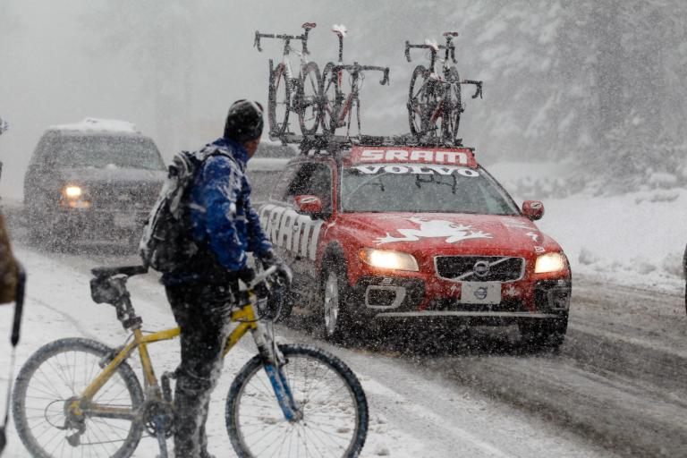 Snow at AToC stage 1 (© Photosport International)