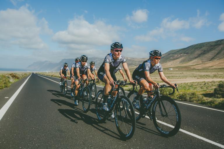 VelocioSRAM Pro cycling Women_©BrakeThrough-Media_3S1A3078