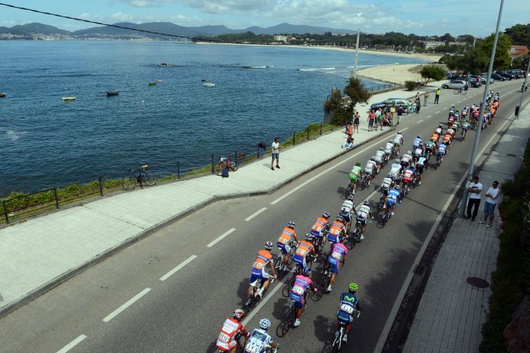 Vuelta 2012 S10 landscape (copyright Unipublic:Graham Watson)