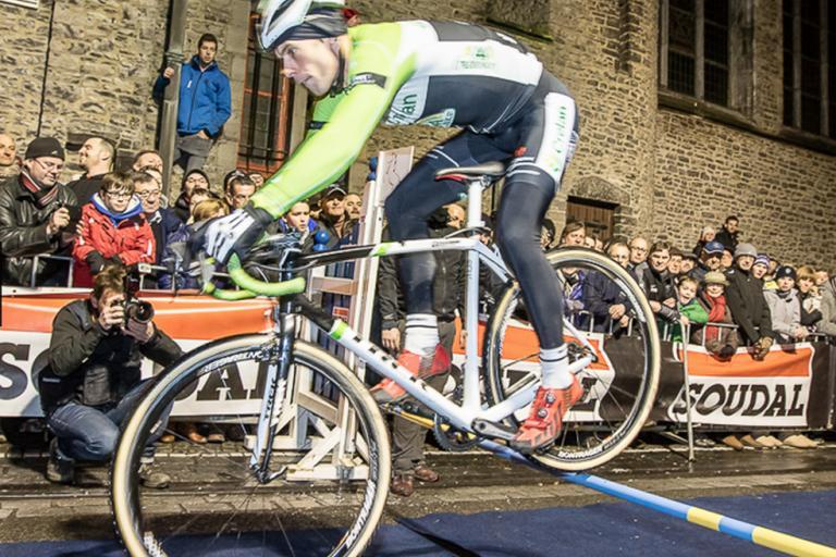 cyclocross hurdles (foto Alain Buyck).png