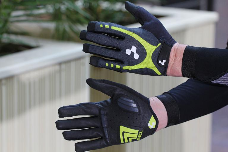 Cube Natural Fit Gloves