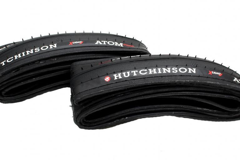 Hutchinson Atom Comp X-Light tyre