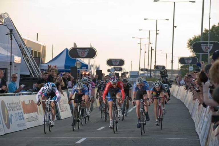 Tour series Round 10: Sprint finish (pic Joolze Dymond www.joolzedymond.com)