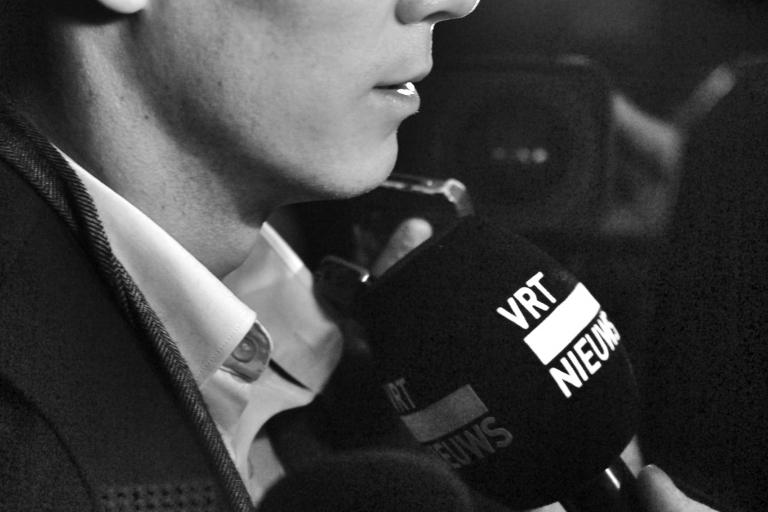 06 Chris Froome quizzed at the TDF 2013 launch © Simon MacMichael