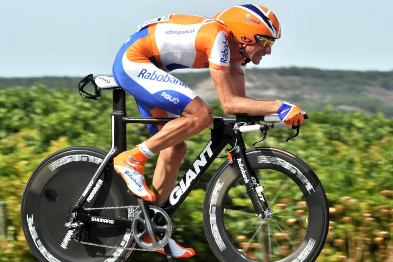 Denis Menchov in Stage 17 of the 2010 Vuelta (copyright - Unipublic:Graham Watson)