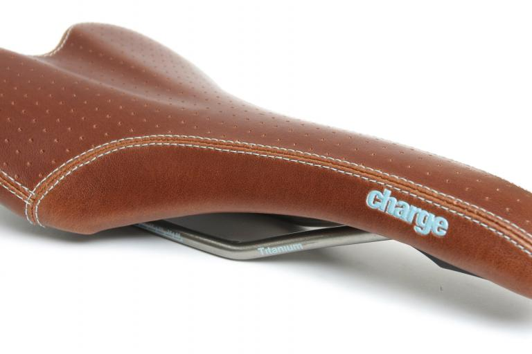 Charge Spoon Ti saddle