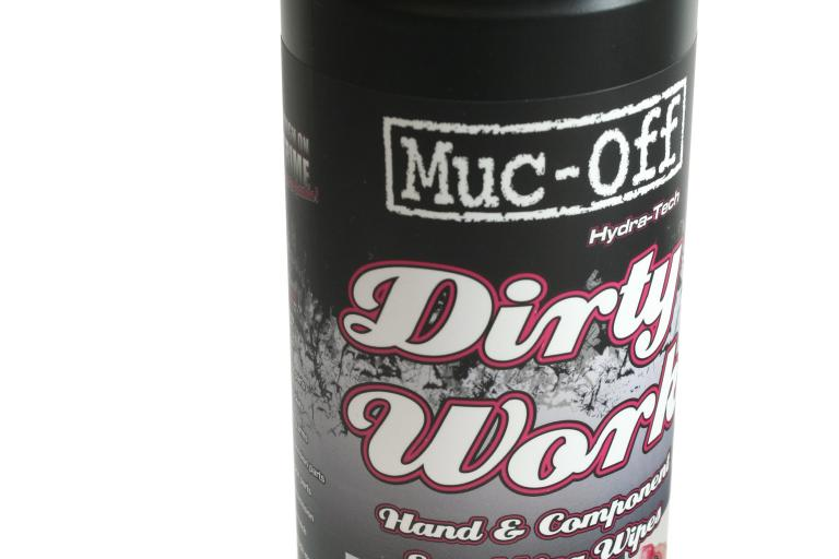 Muc-Off Dirty Work scrubbing wipes