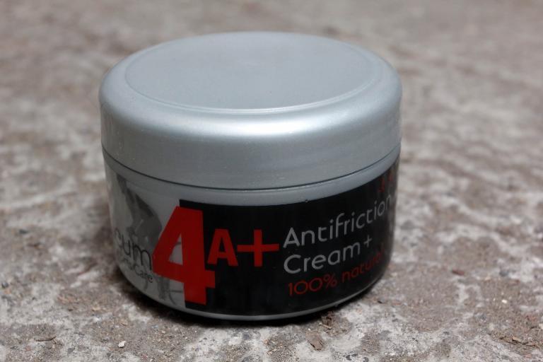QM Sports Care antifriction cream