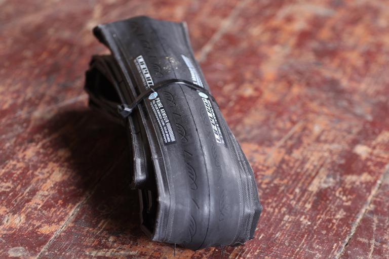 Lifeline Prime Armour Road Tyre.jpg