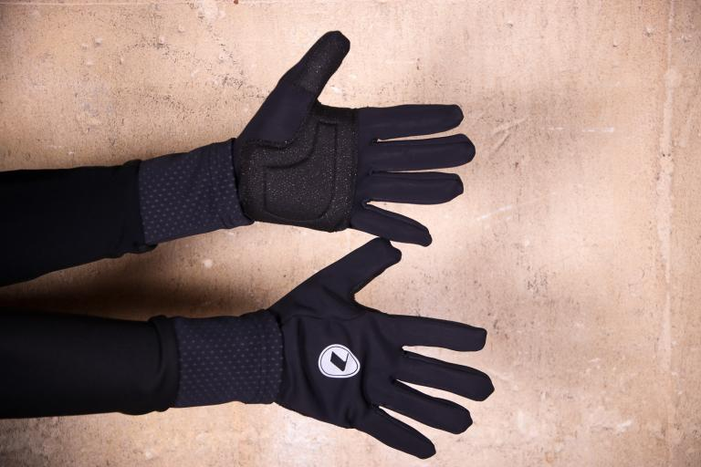 Lusso Windtex Gloves Black.jpg