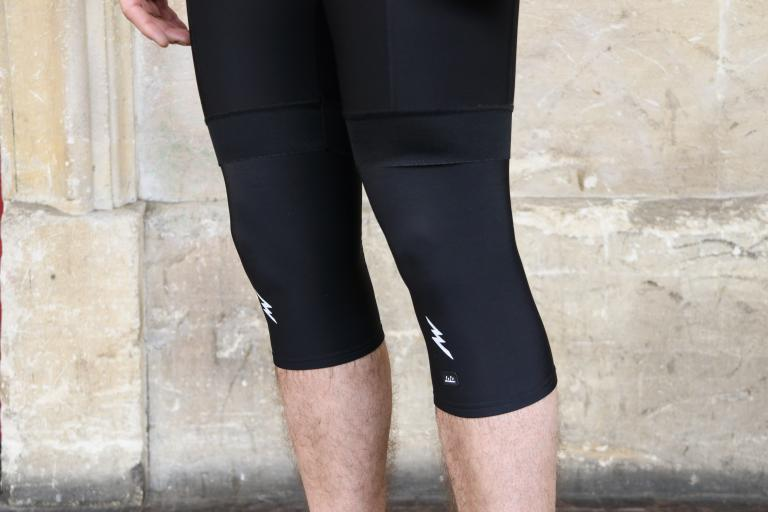 morvelo_knee_warmers-1.jpg