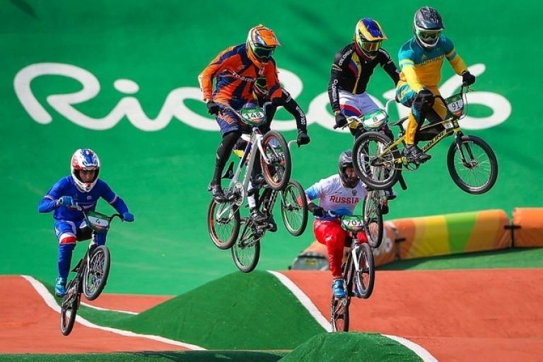 Sam Willoughby (right) in action at Rio 2016 (picture Alex Whitehead SWpix.com via Britishcycling.org_.uk).jpg