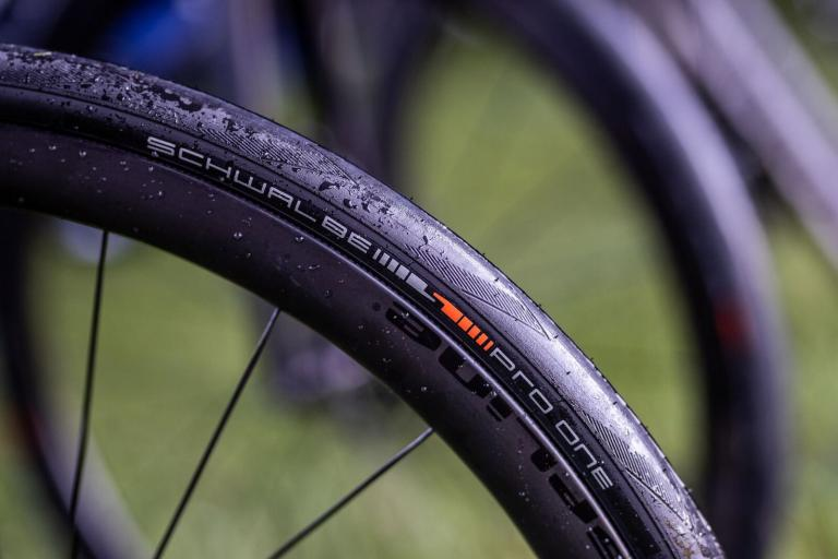 schwalbe pro one launch main