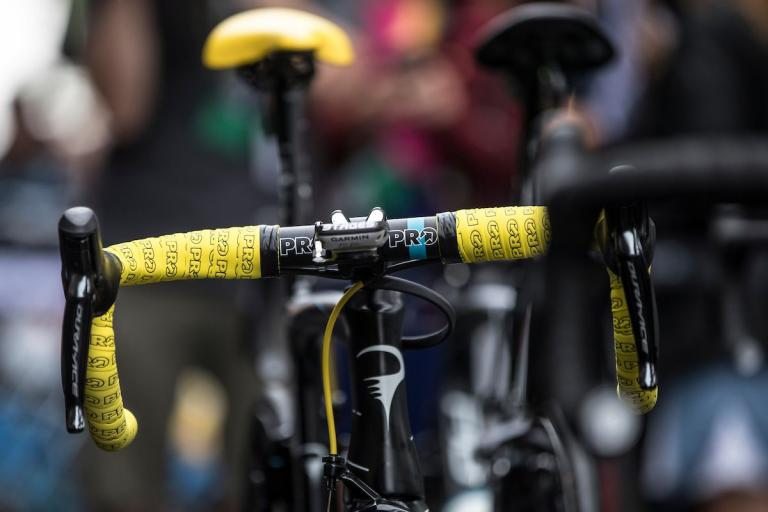 Shimano PRO bar tape yellow - TDF2017- roosenboom2139.jpg