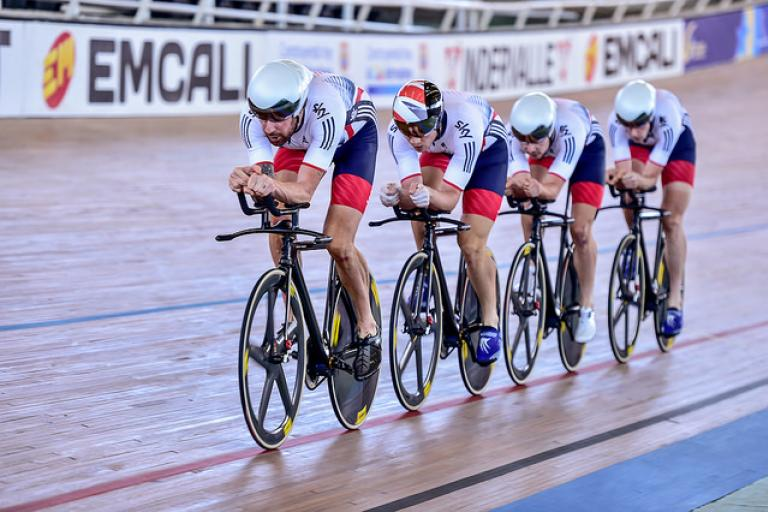 Sir Bradley Wiggins leads GB Team Pursuit at Cali World Cup 2015 (copyright Guy Swarbrick, Britishcycling.org_.uk).jpg