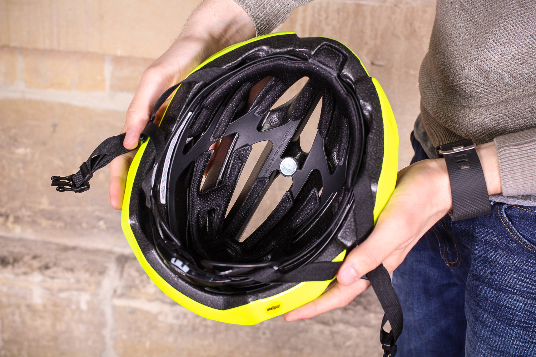 8a8c994fa2c Review  Bell Stratus Mips Helmet