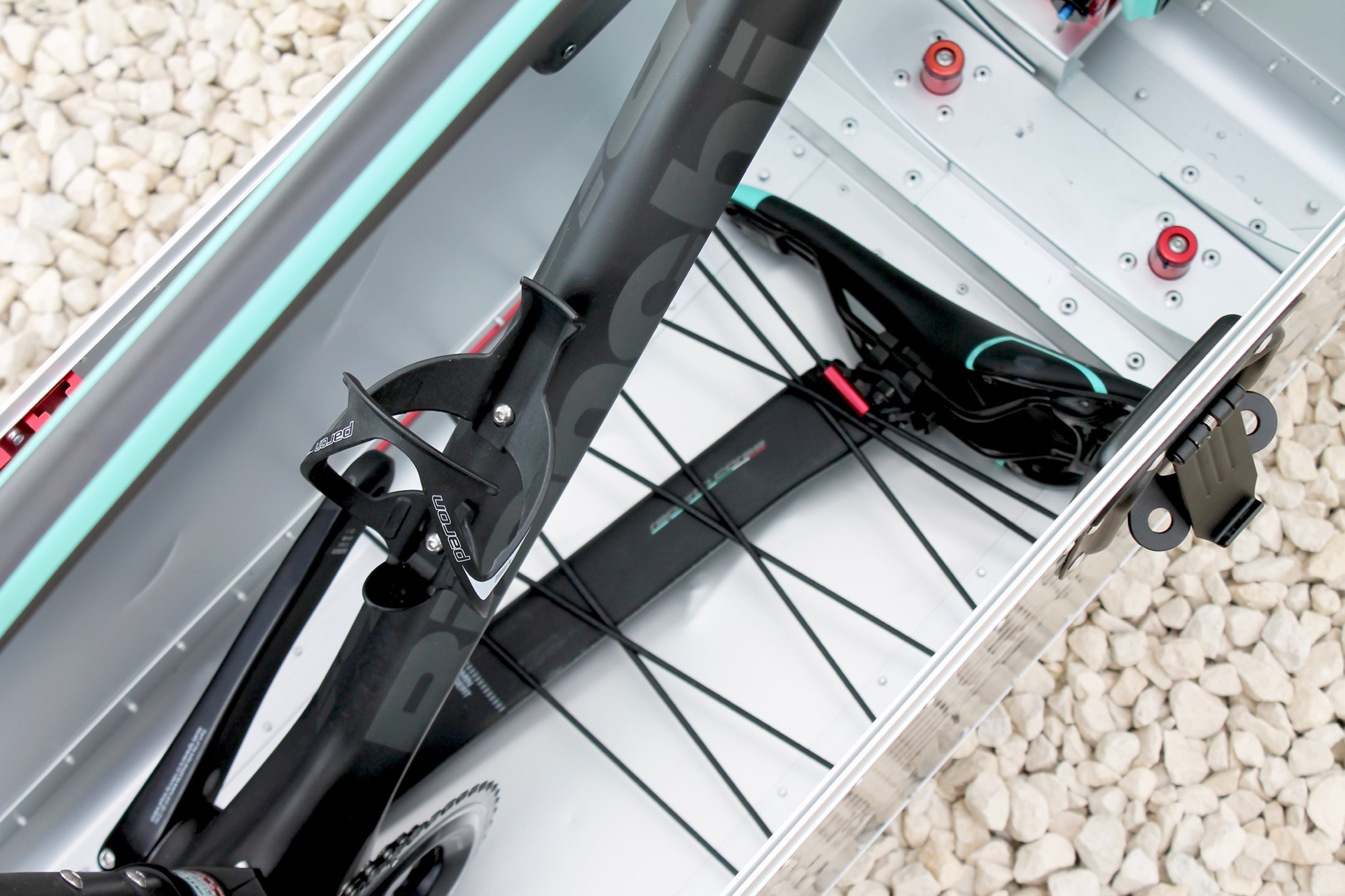 26d4130eab7 Review  Buxumbox Tourmalet bike box