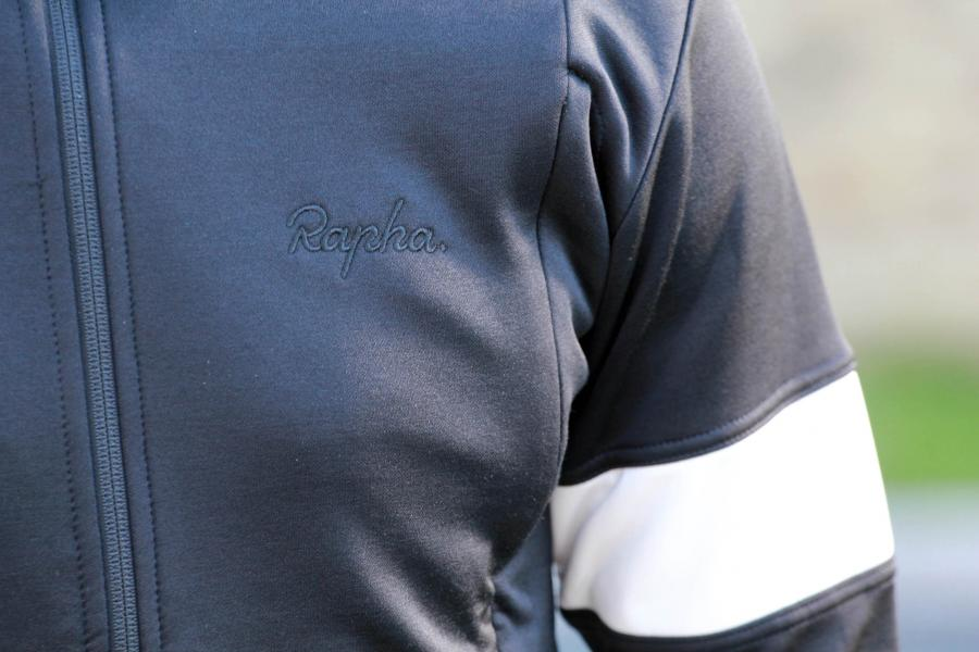 908437129 Most manufacturers that use Merino in their jerseys blend it with synthetic  fabrics to tailor the performance