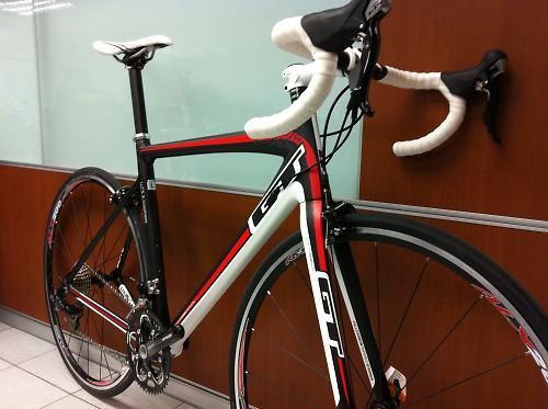 GT 2012 road bike line gets lighter alloy and carbon frames, still ...