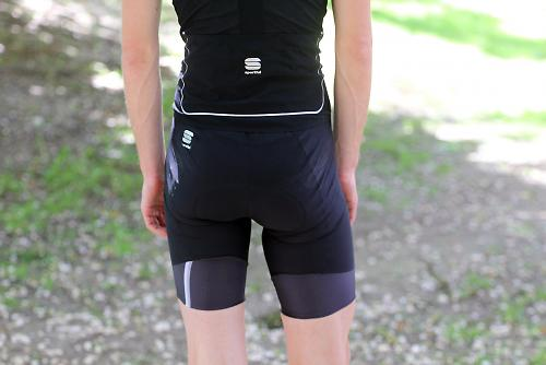 Review  Sportful R D bib shorts and jersey  49c9c358c