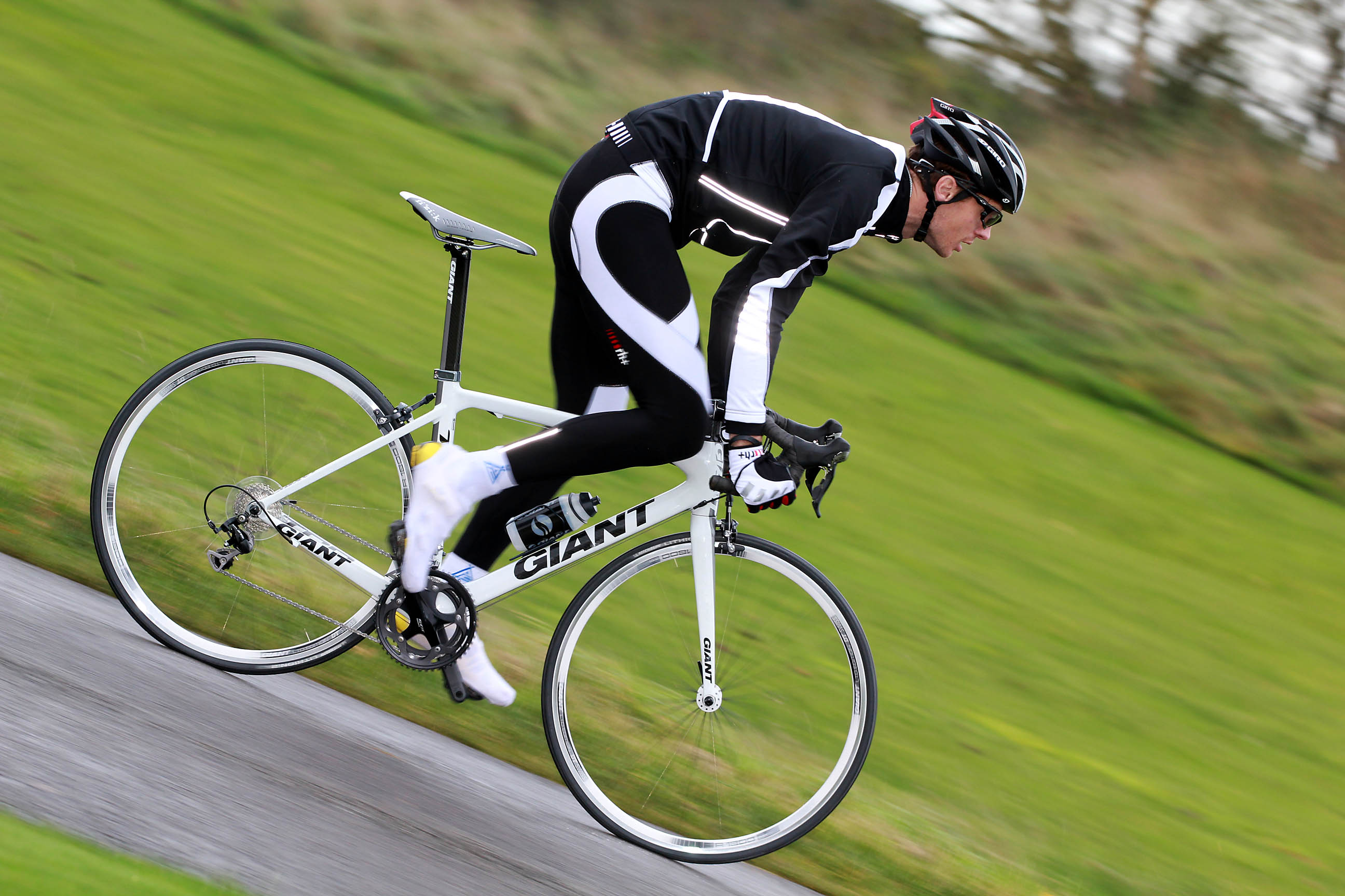 Review: Giant TCR Advanced 2 | road cc
