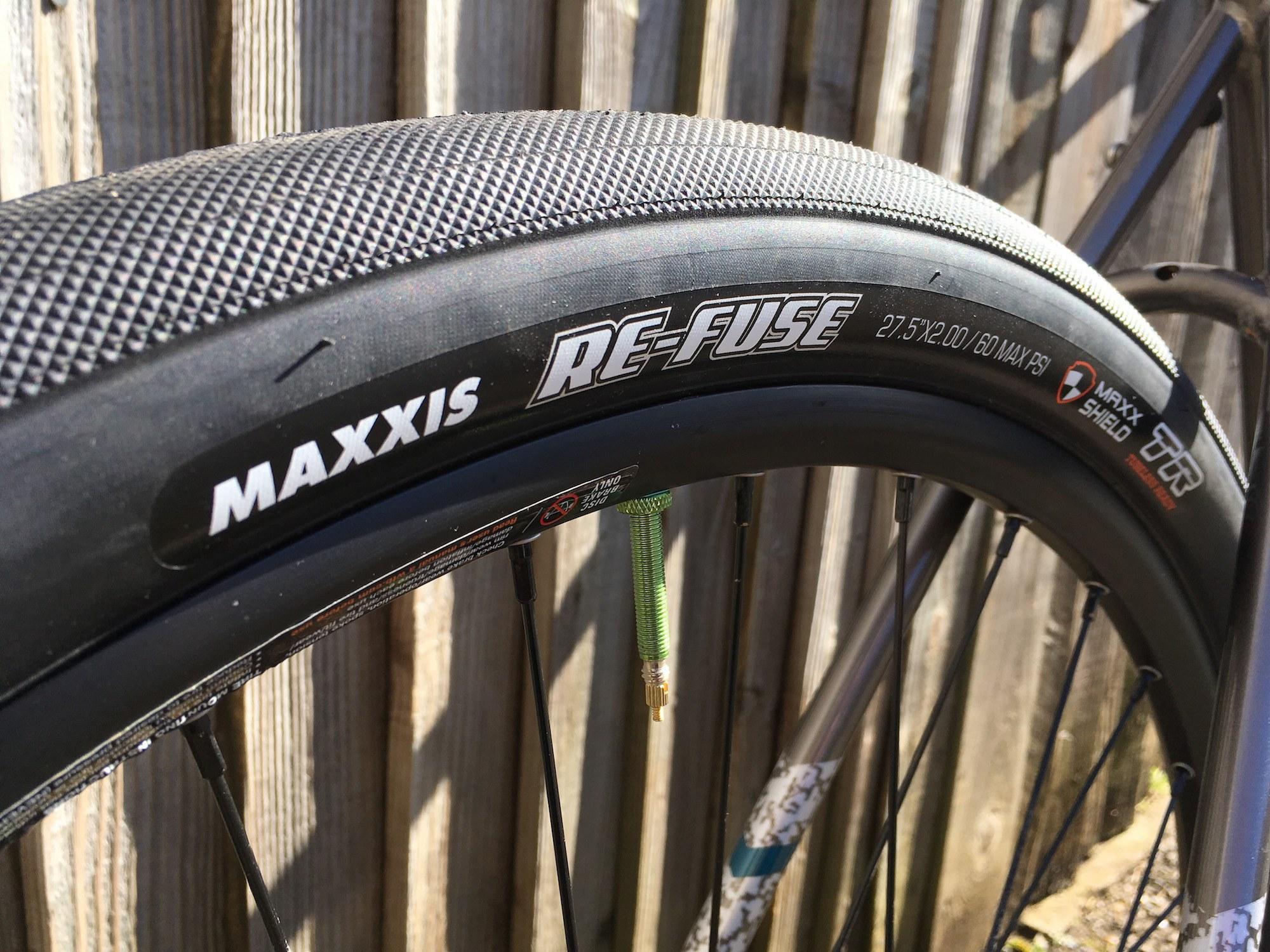 Fold 60TPI 700 x 32C Maxxis Road Bike Tyre Re-fuse Maxxshield