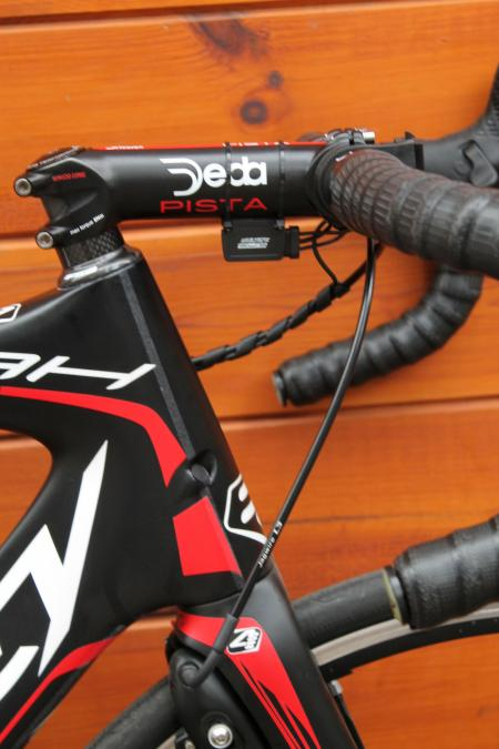 Tapered head tube and the Noah will, like the Helium, accept a mechanical groupset