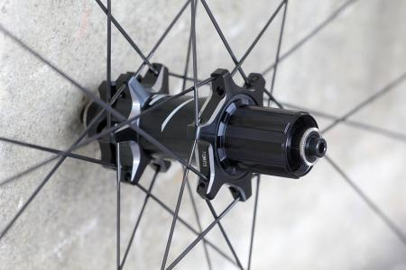 Zipp 30 Course Disc-brake Clincher wheels - rear hub 2