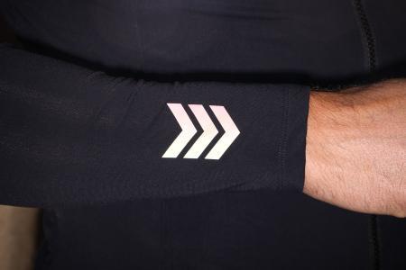 Kalf Club Thermal Men's Long Sleeve Jersey - cuff refelcting.jpg