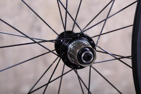 Parcours Grimpeur wheelset - rear hub.jpg