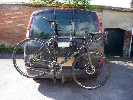 Saris Super Bones 3-Bike Rack - on MPV.jpg