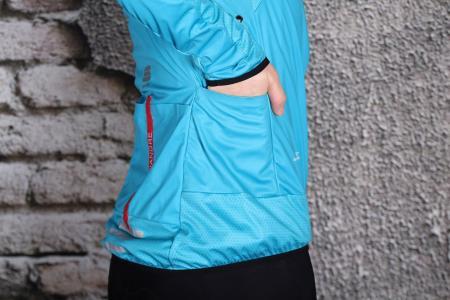 Sportful Fiandre Light WS W Jacket - side pocket.jpg