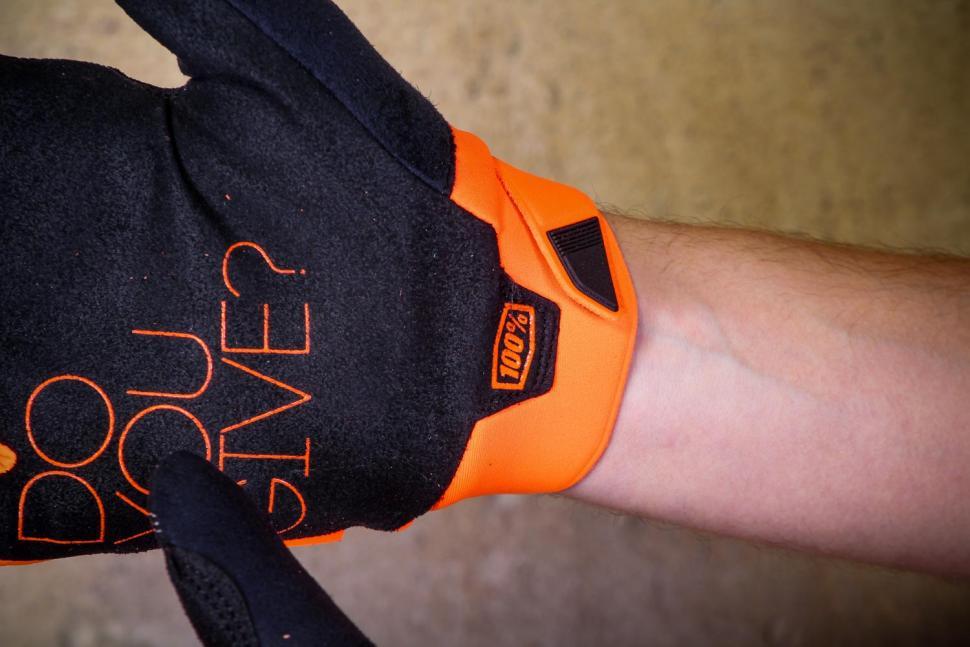 100% Brisker Cold Weather Glove Fluo Orange - cuff.jpg