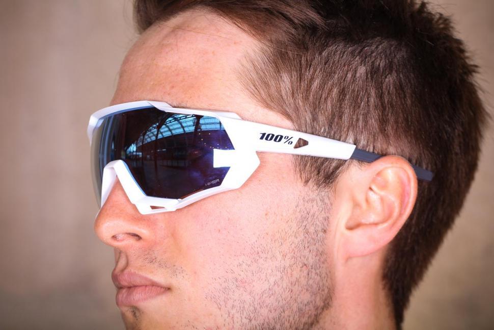 4b4d259e6 Review  100% Speedtrap glasses