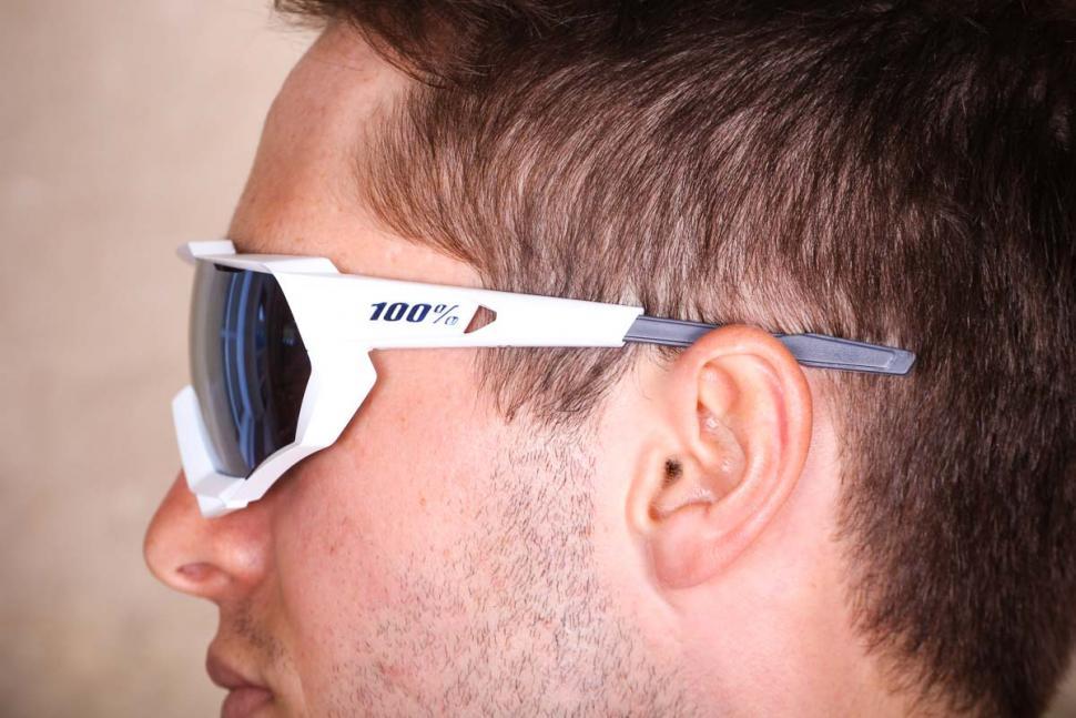 100_speedtrap_glasses_3.jpg