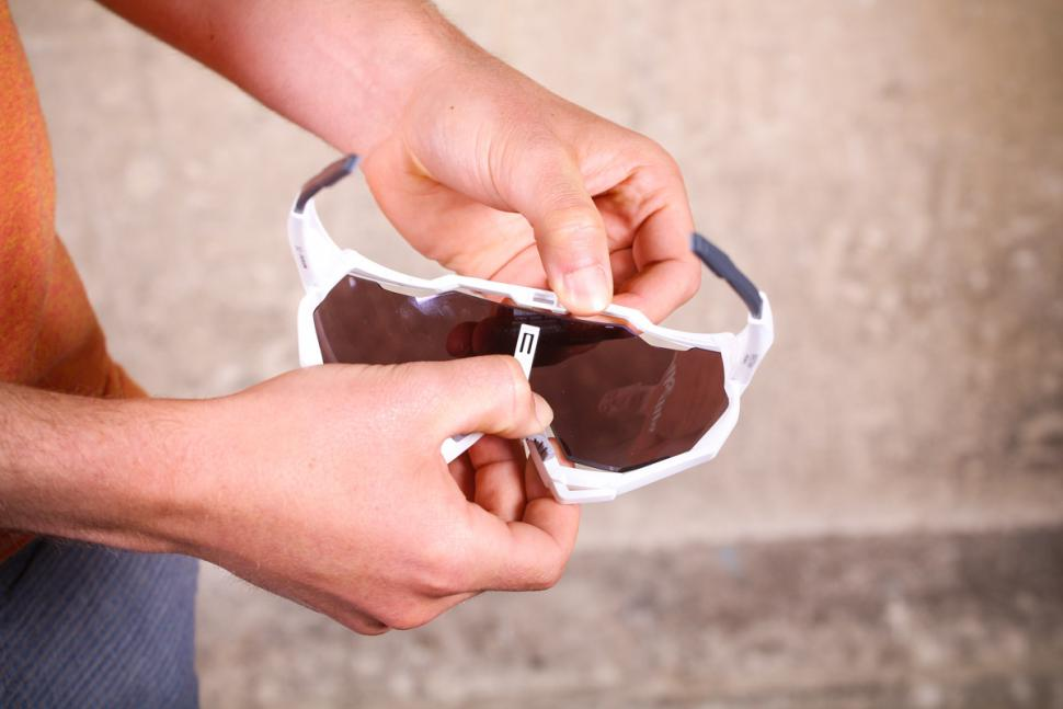 100_speedtrap_glasses_4.jpg