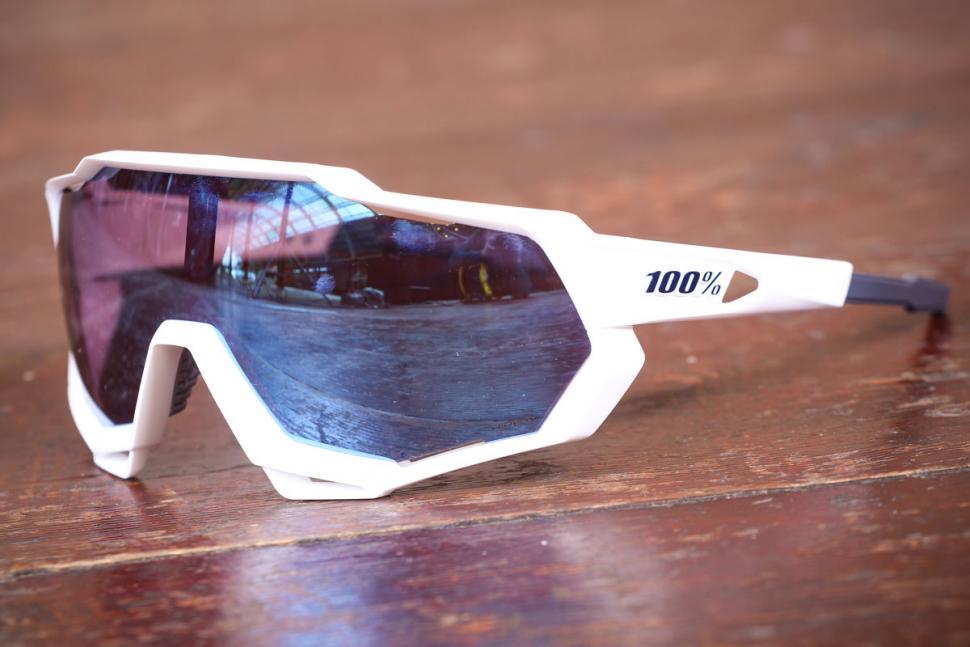 100_speedtrap_glasses_6.jpg