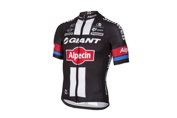 2016 WorldTour kits - Giant Alpecin.jpg