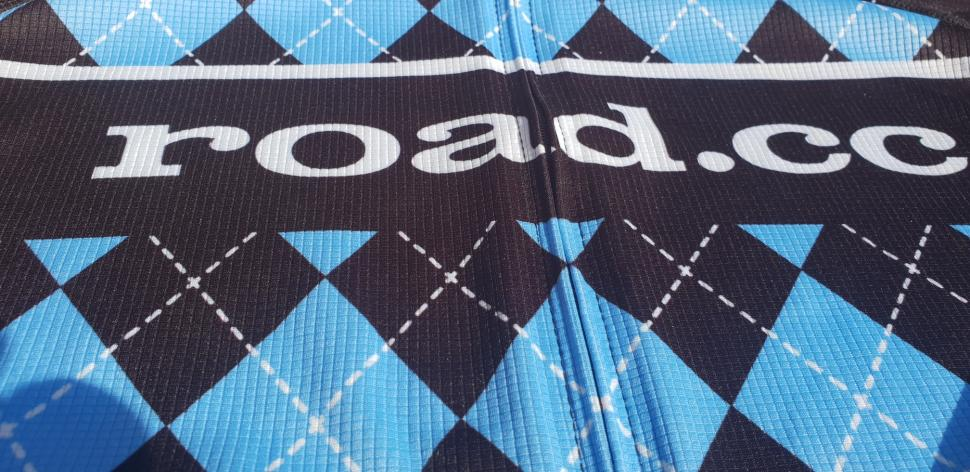 road.cc shirt logo arty shot