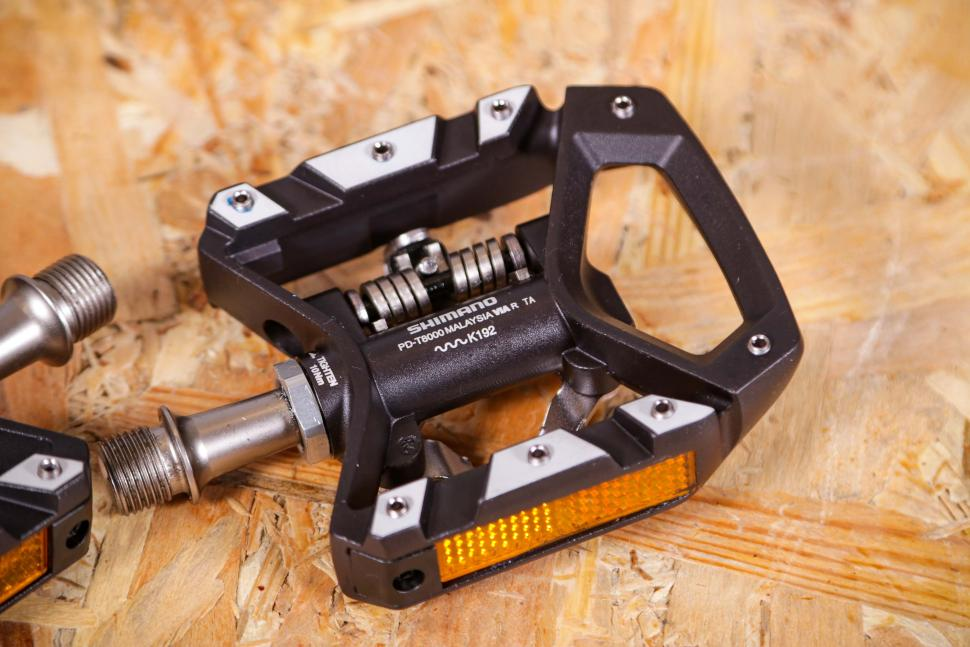 SHIMANO DEORE XT SPD PEDAL W//REFLECTOR-PD-T8000 A Pair With Cleat SM-SH56 New