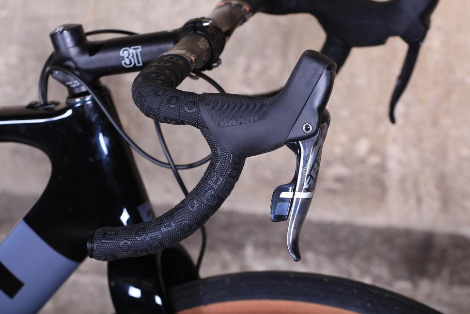 3T Exploro LTD - bar and shifter.jpg