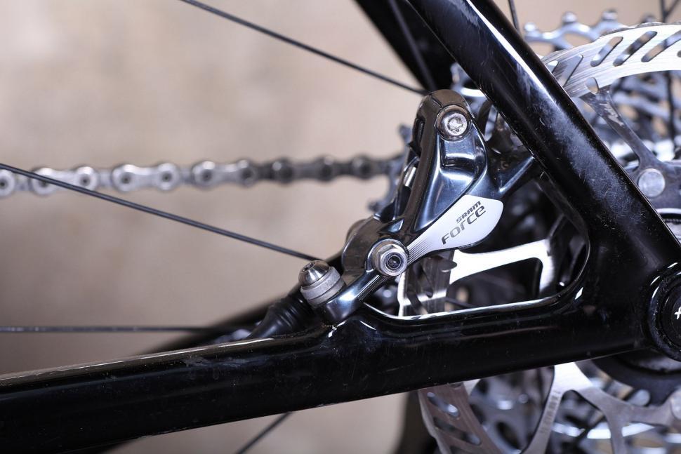 3T Exploro LTD - disc brake mount back.jpg